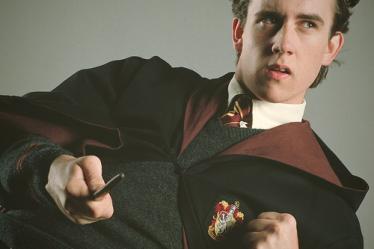 เนวิลล์ ลองบอทท่อม ตัวละครที่มีความโดดเด่นที่ไม่ดูแฮร์รี่พอตเตอร์